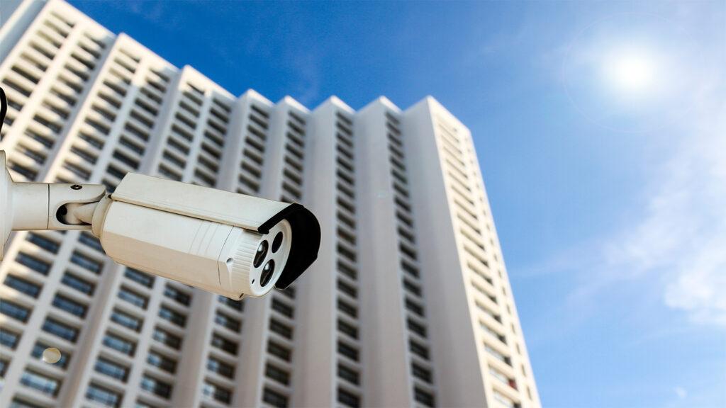 Telecamera installata davanti uffici vigilanza hermes